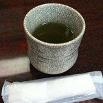 やぐら寿司 - お茶とおしぼり