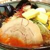白樺山荘 - 料理写真:辛口味噌ラーメン 930円 バターコーン 150円