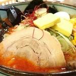 白樺山荘 - 辛口味噌ラーメン 930円 バターコーン 150円