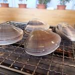 葉武里 - 料理写真:焼きハマグリは4個1000円