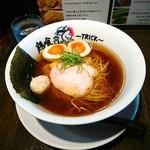 """らーめん 鶏喰 - 濃厚鶏スープに醤油がキレキレ( ̄∇ ̄ノノ""""パチパチパチ!!"""