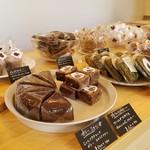 サンキュー ベイク - 店内の焼き菓子たち