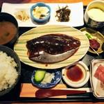 94095248 - 煮魚ランチ1400円(税込み)