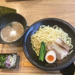 94096626 - 濃厚豚骨魚介つけ麺 温