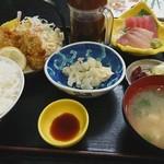 たつみ食堂 - 料理写真:カキフライセット定食