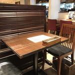 花様 - テーブル席♪