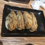 拉麺葵 - 餃子(あれ〜1個食べちゃった)