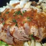 魚貝とワインと時々お肉 YOKOHAMA Mar Mare - トンテキ特製オニオンソース880円アップ