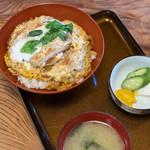 丸仙 - 料理写真:豬排蓋飯(かつどん)
