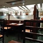 安芸路 酔心 - [内観] 店内 テーブル席 ②