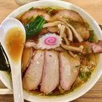 白河手打中華そば 中村 - 料理写真:「チャーシューワンタン麺」1070円+「大盛」150円