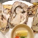 かき鮮 海風土 - 志津川の牡蠣3Pです。