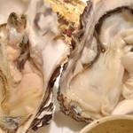 かき鮮 海風土 - 牡蠣のアップ。