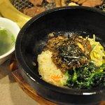 味園 -  石焼ビビンバ 680円