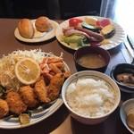 グリンデル - カキフライ定食  950円