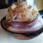 ラーメン13号 - 豚二郎(890円)+野菜増(100円)