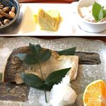 ランチとお茶の店 けんや - ヒラマサの塩焼き