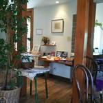 カフェ ド モエ - 店内の風景2