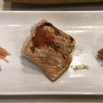 寿司の美登利総本店 - サーモン三巻