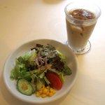 キャトル - 料理写真:ランチAセット(サラダ)!