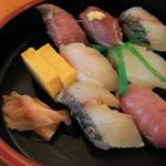 ばんや - 朝獲れ寿司(800円)
