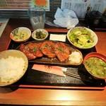 居酒屋 万 - 彩の国黒豚レバー生姜焼き定食(\850)