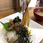 94127318 - 地鰺丼