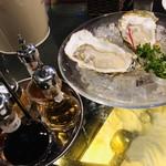 牡蠣&海老バル EAST BLUE - 生牡蠣