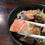 麺食堂 88 - レアチャーシュー箸上げ