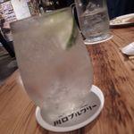 川口ブルワリー - SAKURAO GINのジンリッキー(炭酸割り)500円