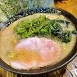 麺処謹ちゃん - 茎わかめラーメン