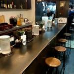 175°DENO担担麺 - 開店直後のカウンター席