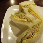 ピノ - エッグとツナのサンドイッチ650円