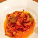 ヴェッキオ コンヴェンティーノ - 真蛸と甘唐辛子のピリ辛トマト煮込み サルサヴェルデがけ  800円