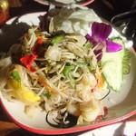 タイ東北料理イサーンキッチン - ソムタム パラーウンセン ¥850