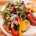 94163657 - 野菜たっぷりチーズワッフル(税込¥1620)