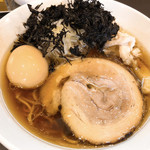 麺屋りゅう - 味玉醤油らーめん 880円