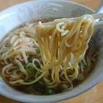 生姜ラーメン みづの - 麺はこんな感じ
