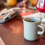 スケロク ダイナー - 【[モーニングセット]3Fマニュファクチュアのベーグルと、自家製グラノーラとミルクのセット(コーヒー付)@税込800円】コーヒー