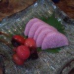 魚酒房 まんま亭 - 長芋とさくらんぼの梅漬け