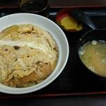 東京亭 - カツ丼。