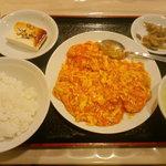 南国亭 - エビと玉子のチリソース定食