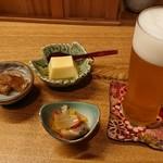 八田 - ビールと付きだし