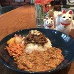 cafe CUMIN - ✿2種盛り 1200円(税込) 豆とラムのキーマカレエ/鯖のココナッツカレエ