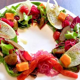 野菜の味を楽しめるドレッシングを使わないオードブルサラダ