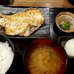 越後屋 竹千代 - あこう鯛定食:780円