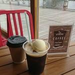 94197956 - ドラフトニトロコーヒーとラテ