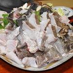 四季の味・奴 - 料理写真:クエ鍋切り身