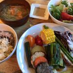 はっぱや神戸野菜ごはん -