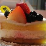 94202758 - スポンジ・クリーム・フルーツ全部美味しい♪